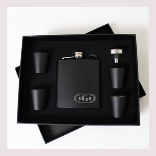 Engraved 6 oz Wedding Flask Set FD048