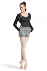 Super soft fold down knitted short features a beautiful chevron textured detail.  Features  Pull on styling Roll down waistband Chevron texture detail Fabric  100% Cotton True Knit Notes  Machine wash cold, lay flat to dry