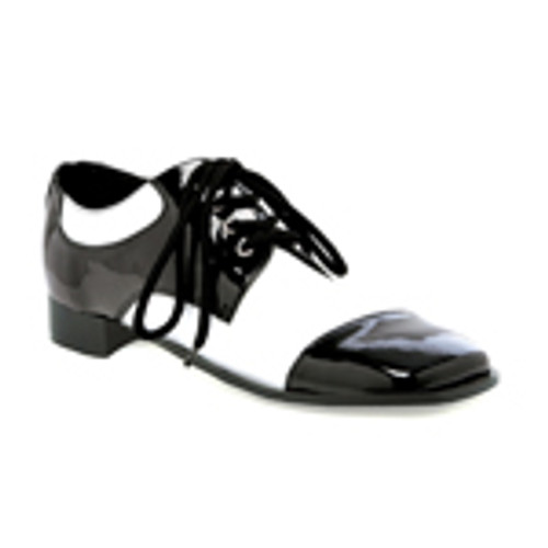"""Men's black and white shoe with a 1"""" heel"""
