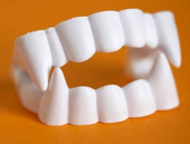 /economy-vampire-teeth/
