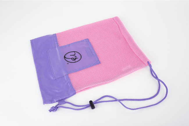 MESH POINTE SHOE BAG RP mesh pointe shoe bags are as stylish as they are practical, in three striking color combinations. The single bag is just right for one pair of pointe shoes, and the double bag is the perfect size for two pairs. Breathable mesh fabric protects your pointe shoes while allowing their natural materials to dry after each use, to help increase the shoes' longevity. The drawstring cord offers easy closure, while the velcro-closing front pocket provides special accommodation for other pointe accessories.