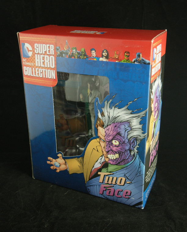 """Side & front photo of DC COMICS Super Hero Collection Two-Face of """"Batman"""" 4"""" NEW"""