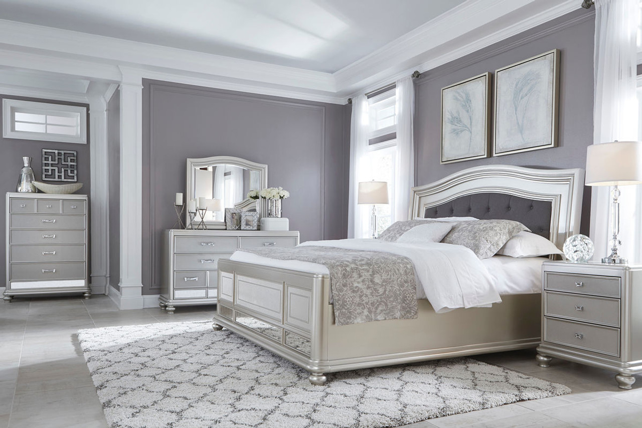 Coralayne 10 Pc. Queen Upholstered Panel Bedroom Collection