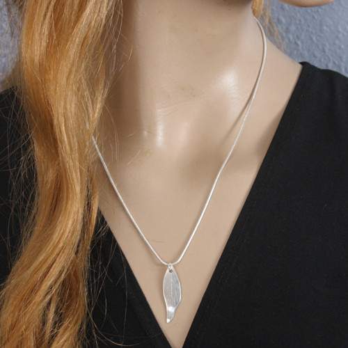 Mannequin View - Feather pendant made with .999 Fine Silver (1338)