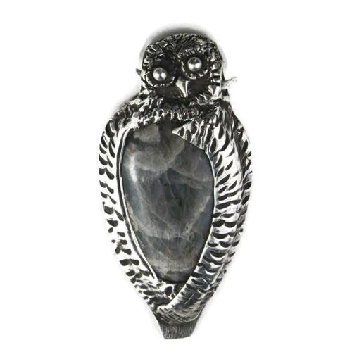 White View  Front -  Fine Silver Owl with Labradorite pendant (1363)