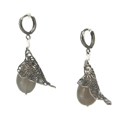 1064-hematite-silver-filigree-flower-moonstone-earrings2.jpg