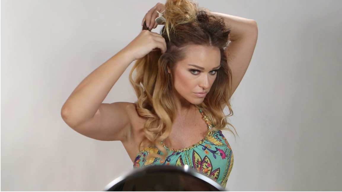 How to Achieve Sexy Beach Waves Using Hot Rollers