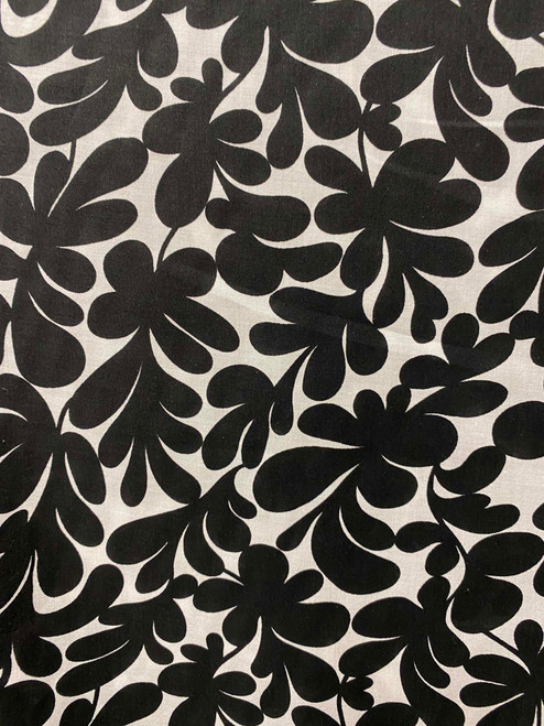 "60""  Black & White Stylized Leaves Cotton"