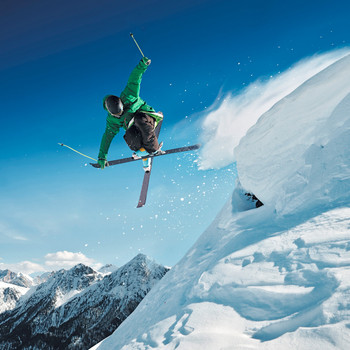 Skiier Extreme Maxi Card