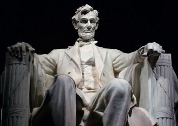 Lincoln Memorial - Postcard