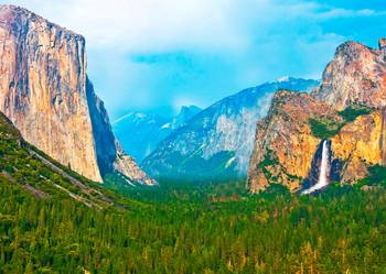 Yosemite Nat Park, Yosemite Valley - Postcard