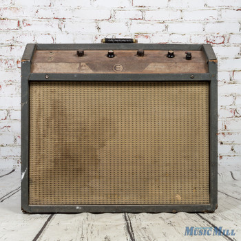 1960's Epiphone Galaxie Amplifier w/Footswitch (USED)