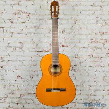 Yamaha CG102 Classical Guitar Natural x7695