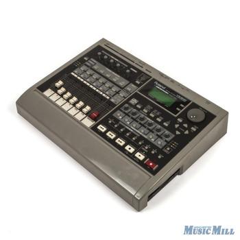Roland VS-840 MultiTrack Workstation (USED)
