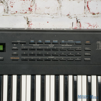 Roland JV-30 16 Part Multi Timbral Synthesizer x1872 (USED)