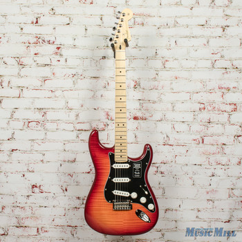 Fender Player Stratocaster® Plus Top, Maple Fingerboard, Aged Cherry Burst x8679