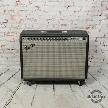 Fender Ultimate Chorus Combo Guitar Amp (USED) x6818