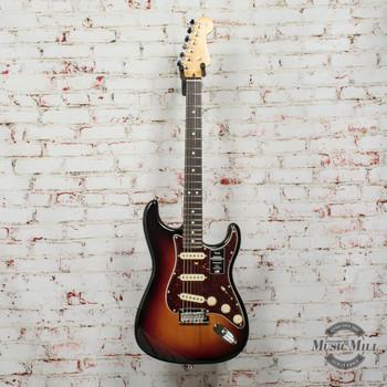 Fender American Professional II Stratocaster®, Rosewood Fingerboard, 3-Color Sunburst x7584