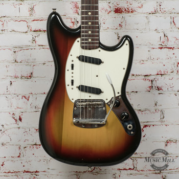 1976 Fender Mustang Electric Guitar 3-Tone Sunburst x7736 (USED)