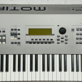 Yamaha Motif 8 Production Synthesizer x1268 (USED)