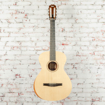 Taylor Academy 12e-N Nylon String Acoustic/Electric Guitar Natural x1067