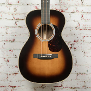 Martin Custom Shop 0 Size 14 Fret Acoustic Guitar with Wild Grain East Indian Rosewood – Sunburst x3885