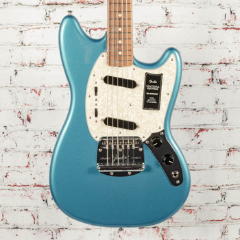 Fender Vintera® '60s Mustang® Electric Guitar, Pau Ferro Fingerboard, Lake Placid Blue x1353