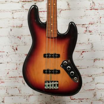 Fender Jaco Pastorius Jazz Bass®, Fretless, Pau Ferro Fingerboard, 3-Color Sunburst x2966 (USED)
