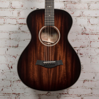 Taylor 522e 12-Fret Acoustic Electric Guitar Shaded Edge Burst x1176