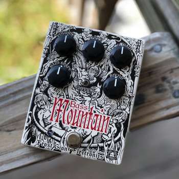 Frost Giant Bass Mountain Distortion/Fuzz Pedal