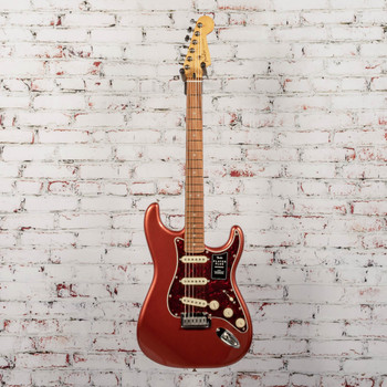 Fender Player Plus Stratocaster®, Pau Ferro Fingerboard, Aged Candy Apple Red x0010