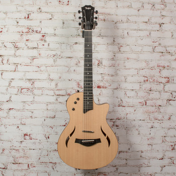 Taylor T5Z Classic Spruce Acoustic-Electric Hybrid Guitar w/ Taylor Bag, x0066 (USED)