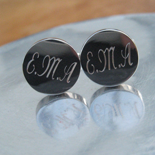 Personalised silver plated round cufflinks come with your engraving. Personalised drop shipping gifts for men.