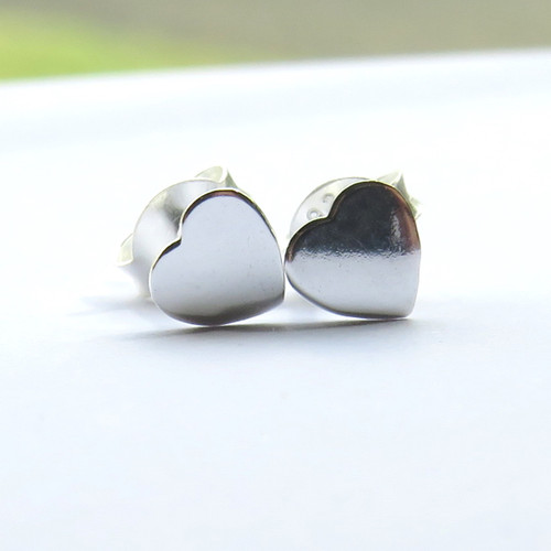 Sterling silver mini heart stud earrings suitable for so many occasions for a daughter, sister, gran daughter, niece or for a special friend on her birthday or Christmas. Dropshipping UK