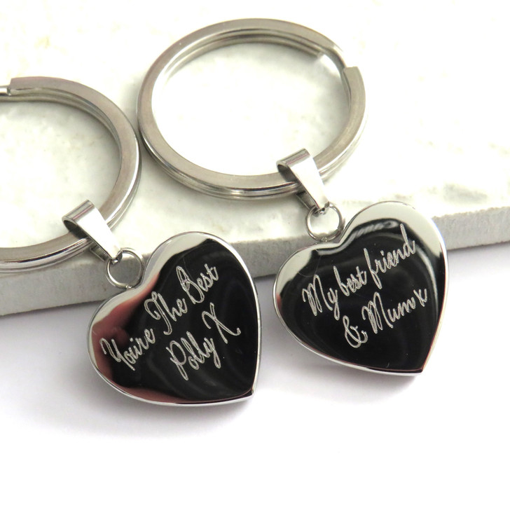 Personalised heart keyring engraved with your choice of words or special message a unique for a mum or dad on Father or Mothers Day or for your gran or grandpa. Trade Gifts dropshipping UK corporate.