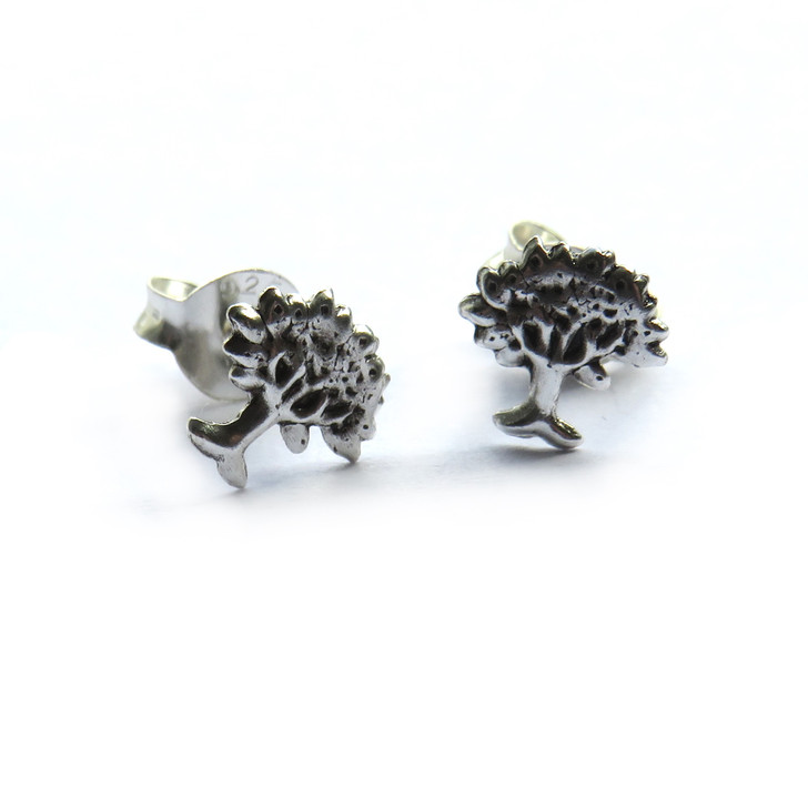 Sterling silver earrings are a lovely gift for your mum on her birthday, Mothers Day Christmas or just to say I love you. wholesale trade, drop ship jewellery UK