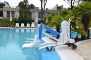 BluOne Portable Pool Lift