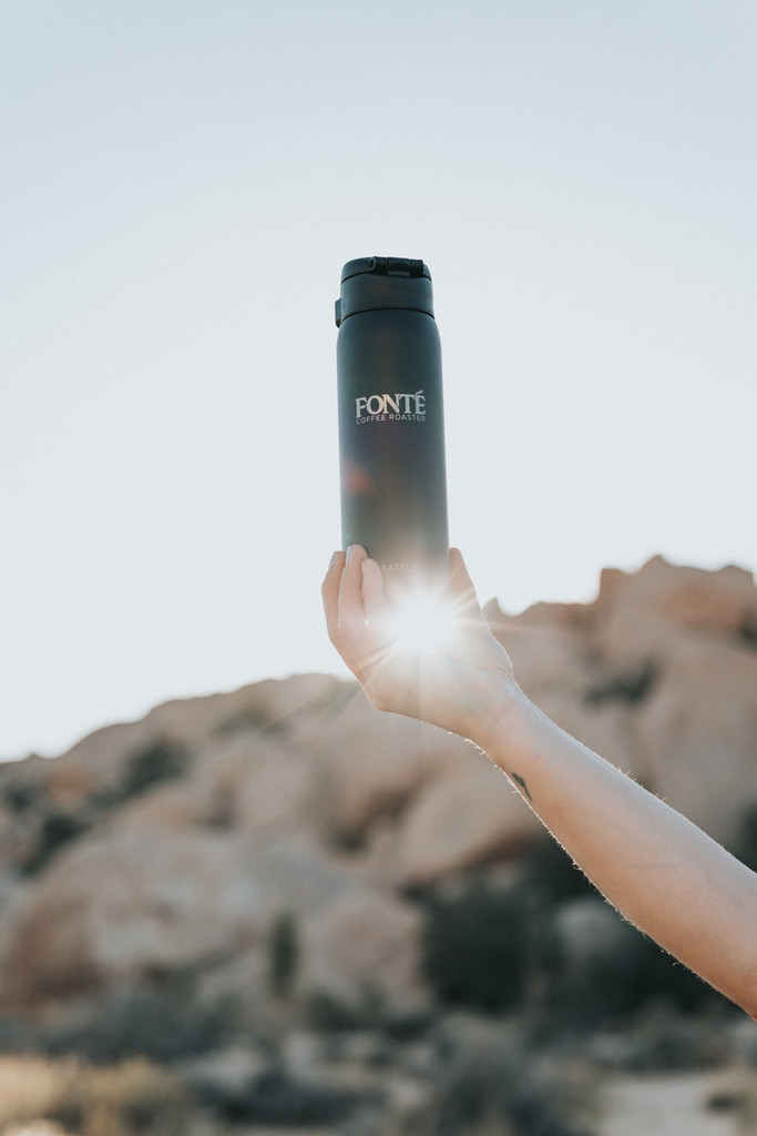 Corrosion Resistant and Stain repellent SlickSteel® Finish Interior, the Fonte Logo Thermos Has A One-Touch Button with a Safety Lock That Ensures an Easy Mug Drinking Experience and No-Spill Performance