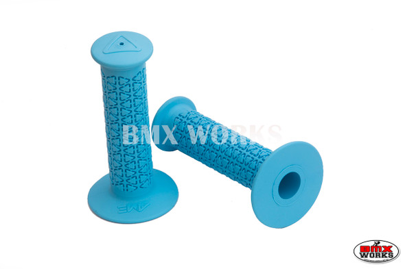 AME Grips Round Baby Blue Pair