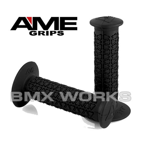 AME Grips Round Black Pair