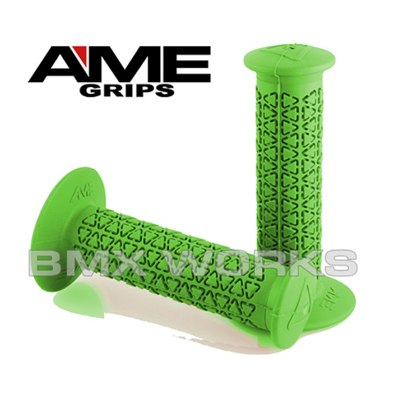 AME Grips Round Green Pair