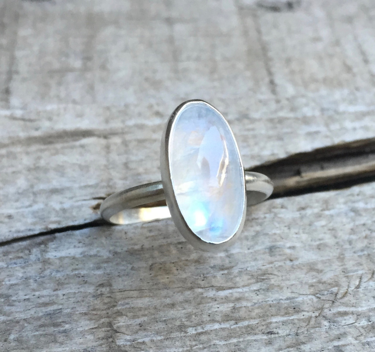 Flashy Moonstone Ring Oval Moonstone Ring Moonstone Ring Rainbow Moonstone Ring Moonstone and Sterling Silver Ring Detailed Stone Ring