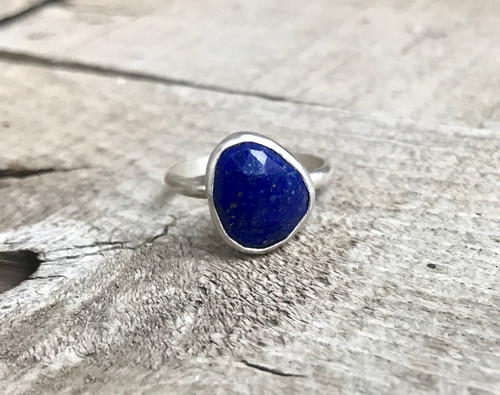 Elegant Geometric Free Form Blue Faceted Lapis Lazuli Sterling Silver Ring