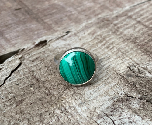 Elegant Bright and Dark Green 15mm Round Malachite Gemstone Ring
