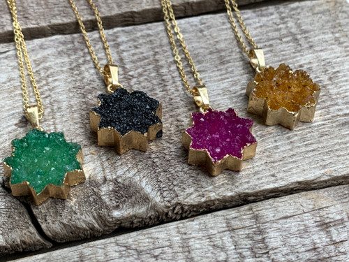 Elegant 14 Karat Gold Electroplated Agate Druzy Starburst Necklace