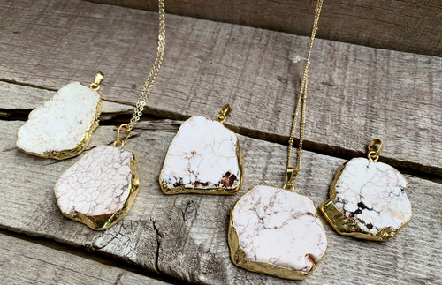 White Howlite Veined Turquoise Gold Electroplated Pendant Necklace
