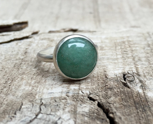 Elegant Round Emerald Green Aventurine Solitaire Sterling Silver Ring