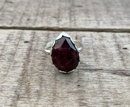 Dark Red Faceted Teardrop Raw Sapphire Faceted Sterling Silver Ring in a Scallop Setting