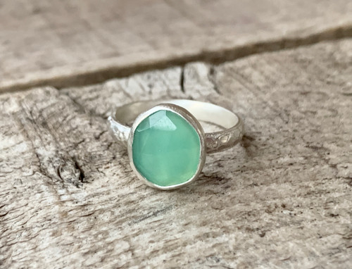 Dainty Bright Green Faceted Free Form Chrysoprase Sterling Silver Ring with Patterned Ring Band