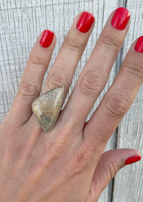 Large Free Form Geometric Off White and Gray Coral Fossil Sterling Silver Ring | Starburst Ring